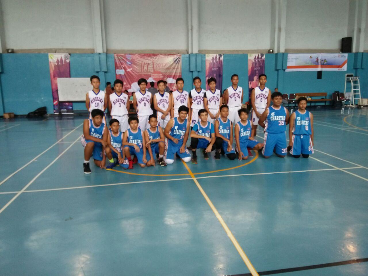Juara-III-Basket-Putra-SMA-Charitas-di-Higsope-2017